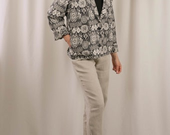 80s / 90s black & white tapestry cropped jacket / rounded notched collar / 2 button blazer / boxy blazer / medium / large