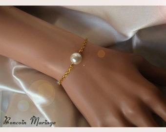 Gold chain White Pearl bracelet