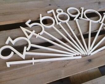 Números de la tabla de palo - la idea de combinar los números de centro de mesa y mesa de juntas utilizan estos números de mesa de boda palos