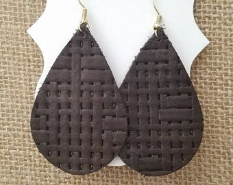 Dark brown textured tear drop leather earrings