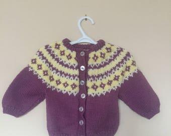 Tricotés à la main VTG Lopi Style jacquard Style Baby Cardigan - Cardigan en tricot main Vintage pour enfant - violet - taille 6 mois