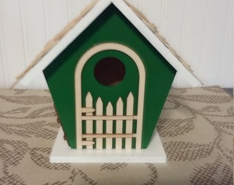 Green and White Birdhouse (w/arch)