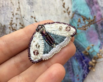 Beaded butterfly pin - Small Butterfly Brooch - Moth pin - Beaded butterfly - Embroidered Butterfly - Beaded night-fly pin