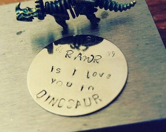 Rawr is I love you in dinosaur