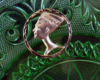 Vintage Egyptian Revival Queen Nefertiti Gold Tone Brooch  Pendant