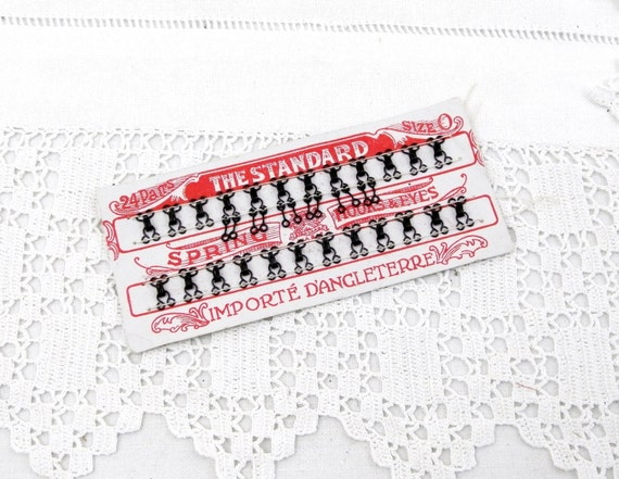 """Antique Unused Complete Card of 24 Black Butterfly Hooks / Spring Hook and Eyes Size 0  """"The Standard Importé d'Angleterre"""", Craft Supply"""