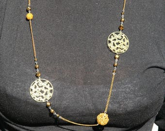 Necklace color gold with butterflies