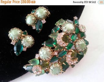 ON SALE Green Rhinestone Demi Parure * Vintage Brooch Earring Set * 1950's High End Jewelry * Mad Men Mod * Old Hollywood Glamour