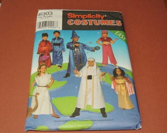 Simplicity 8303  Childs Halloween Pattern Uncut S,M,L