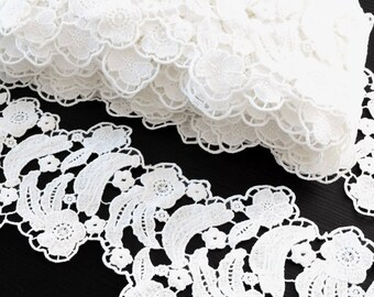 Guipure lace flowing polyester white 10cm x 1 meter
