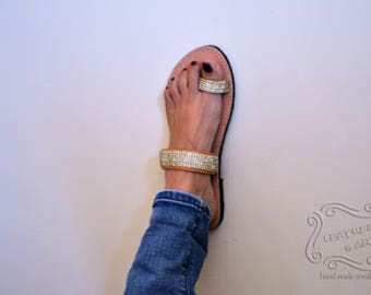 Leather sandal with gold stras braid