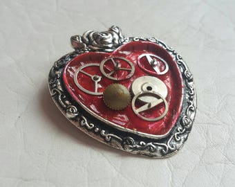 Steampunk jewelry/ steampunk pendant 'clockwork heart'