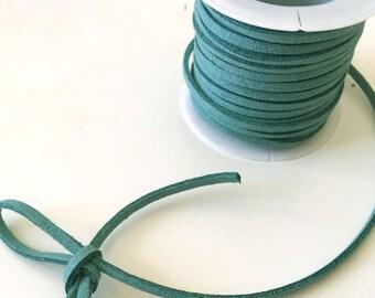 Suede lace / DUSTY MINT /largeur 3mm cut 50 cm