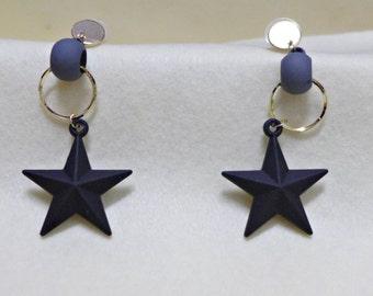 Black Star shape earrings -- Stud Earrings