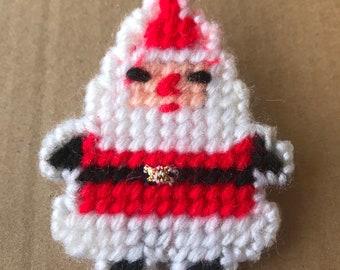 Plastic Canvas Yarn Santa Claus Yuletide Christmas Brooch Pin