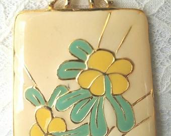 1970s Yellow Enamel Flower Necklace