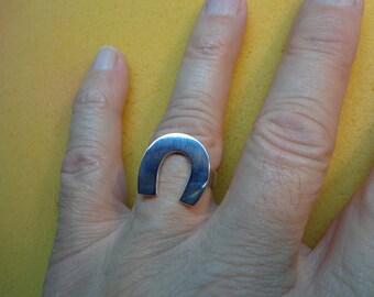 Anti- tarnish sterling silver .925 Horseshoe ring.