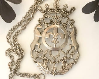 British coat of arms large silver plated emblem pendant necklace vintage mid century United Kingdom collectibles