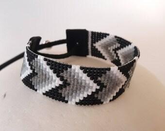 BLACK HEARTS cuff bracelet