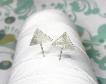 Sterling Silver - arrow earrings / illusion earrings / unique sideways earrings / sterling silver studs / stand up triangle earrings