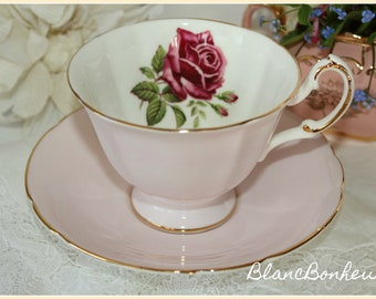 Paragon, England: Pink tea cup & saucer with large rose
