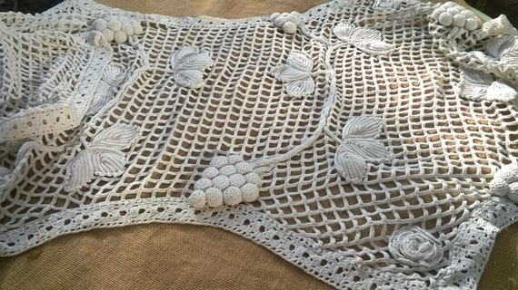 Long Victorian White Filet Runner Grapes Roses in Relief 1920's Thick French Cotton Hand Crochet #sophieladydeparis