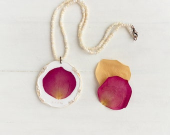 Real Rose Flower Necklace, Real Flower Jewelry, Romantic Pendant, Botanical Jewelry, Preserved Flower, Nature Jewelry, Nature Pendant