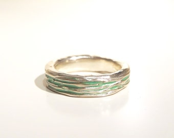 Sterling silver groove ring (pale green)