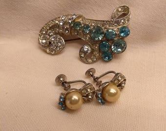 20% OFF Sale Vintage Set Aquamarine Rhinestone Brooch Pin Cornucopia with Earrings Demi Parure #B1117
