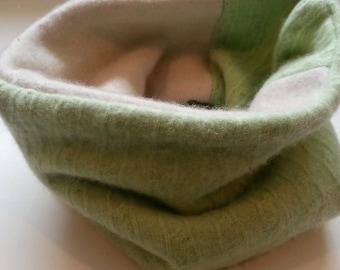 Neckwarmer, Cashmere Neck warmer, Gaiter, Upcycled Green White