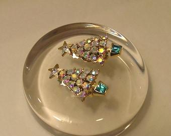 Vintage AB, Aurora Borealis,  Clear and Aqua Blue Crystal Rhinestone Christmas Tree Clip On Earrings