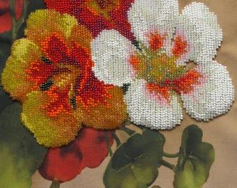 """Broderie fleurs taille «Capucine» 7,9 «x 11.8""""(20 cm x 30 cm) sur la toile, broderie les perles tchèques, modèle à la main, perlé"""