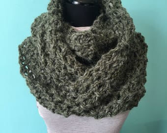 Green Knit Cowl - Infinity Scarf - Figure 8 Scarf - Green Scarf - Chunky Knit - Knit Wrap - Shoulder Wrap - Alpaca Scarf - Knit Cowl - Green