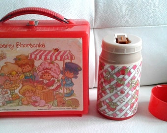 Aladdin 1981 Strawberry Shortcake Plastic Lunch Box and Thermos Set