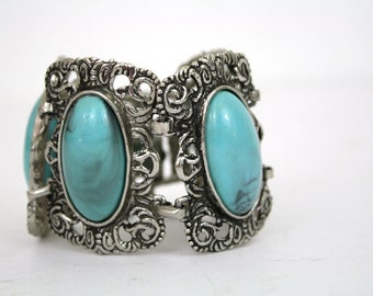 Faux Turquoise Silver Link Wide Bracelet made of Lucite / Vintage Jewelry