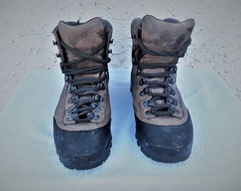 Men  Vibram  Danner Hiking Boots  Size 10