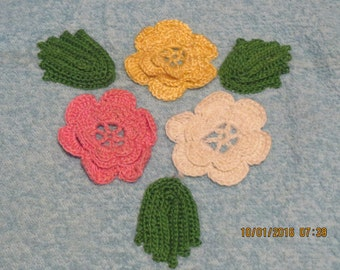 REDUCED PRICE - Vintage Bathtowel w/Crochet Flowers - circa 1940's