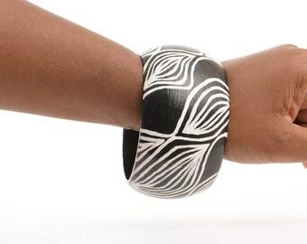 Introvert Swirls Bangle, Hand Painted Bangle, Hand Painted Bracelet, Hand Drawn Bracelet, Hand Drawn Bangle, Resin Bangle, Resin Bracelet