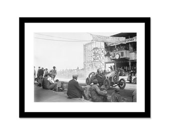 Black and white photo of a grand prix