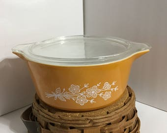 Vintage Gold Butterfly Pyrex Baking Dish & Basket