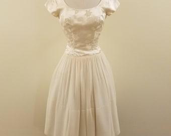 Beautiful 60sSeaView Original Cream/Ivory Silk Brocade Bodice Dress - 34-25-Free