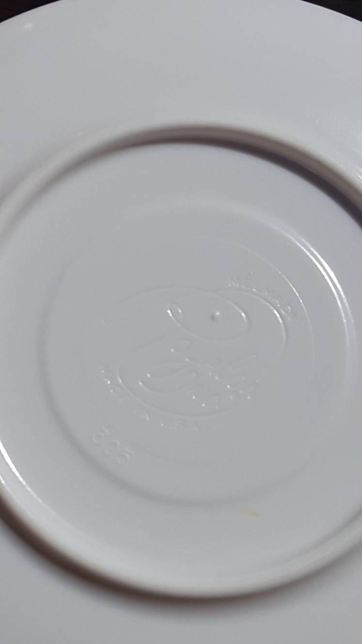 Vintage White Plates / Melamine Plates / TEXAS WARE / Plastic Plates / Retro Kitchen / Saucers / serving plates / film prop / tea set & Vintage White Plates / Melamine Plates / TEXAS WARE / Plastic Plates ...