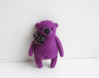 Needle Felted Amethyst color Bear brooch / Handmade / Handmade gift / Mothers day gift / Birthday gift / February birthday gift