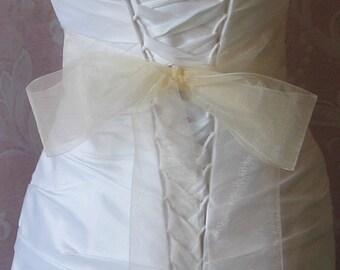 Ivory Organza Ribbon, 2.75 Inch Wde, Ribbon Sash, Bridal Sash, Wedding Belt, 4 Yards