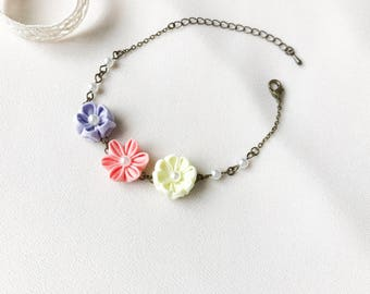 Floral bracelet, romantic flower jewellery, romantic botanical jeweller, bohemian flower bracelet, valentine gift for her, wrist corsage