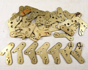 Alarm Clock Case Parts - Case Parts - Steampunk Jewelry Findings - Brass clock plate - set of 16- g34