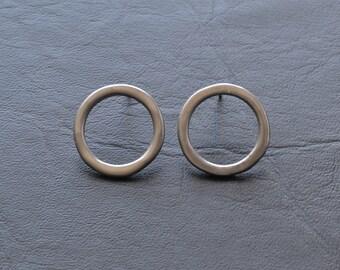 chrome open circle earrings, powder coat jewellery, simple stud earrings, metallic finish, small studs, minimalist, modern style, futurist