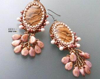 A Glipse Into a Romantic Soul - beadwoven earrings