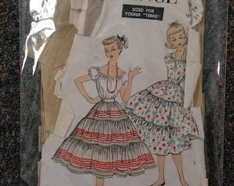 Vintage 1950s Dress Pattern by Advance 6719 Peasant Blouse 50s Ruffle Patio Skirt Dress Set