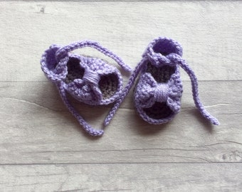 Bow Crochet Baby Sandals, Newborn, Baby Photo Prop, New Baby Gift, Baby Shower Gift, Baby Booties, Crib Shoes, MADE TO ORDER